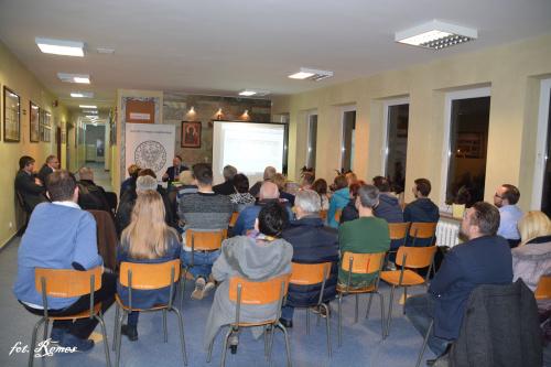 Przystanek Historia Pisz - Prelekcja dr. Marka Szymaniaka pt. Wojskowy obóz internowania w Chełmnie ( listopad 1982- luty 1983 )