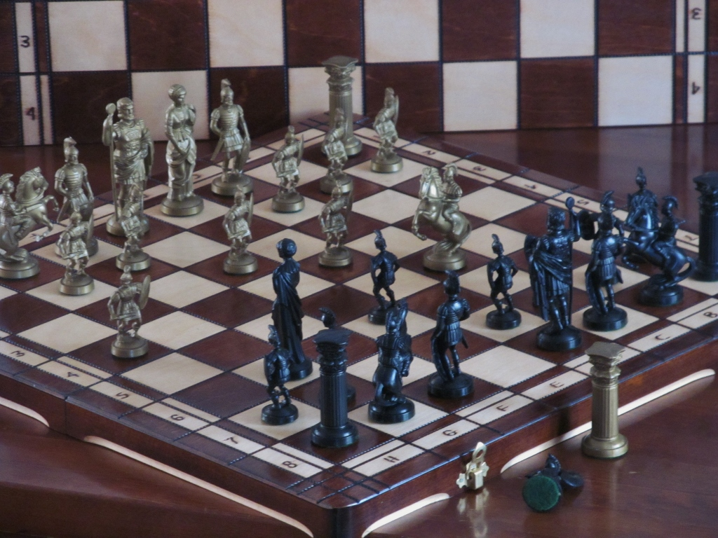Brand New Spartan Wooden Chess Set Weighted Pieces Great