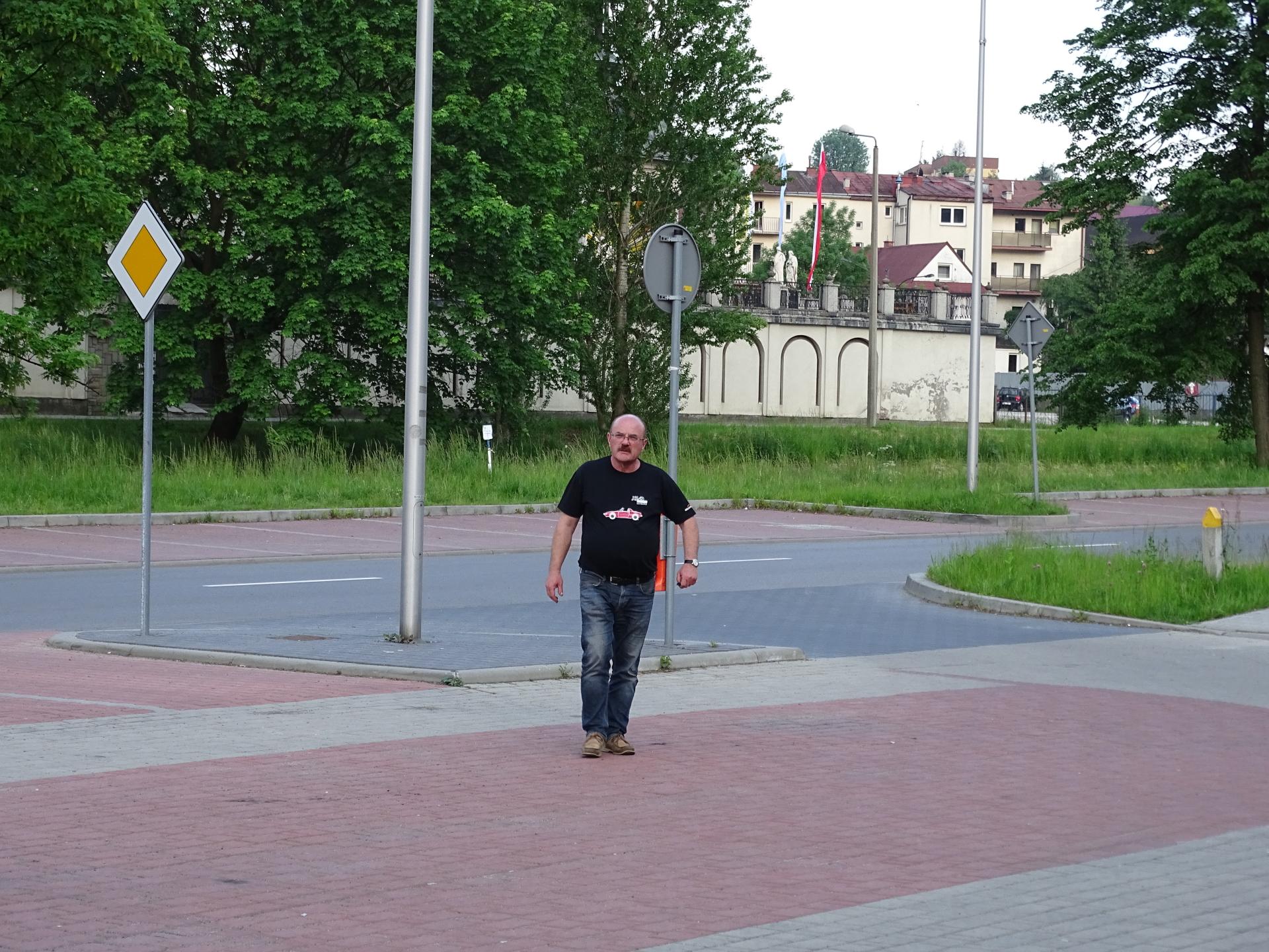 http://images71.fotosik.pl/482/c0585858e7567a0a.jpg