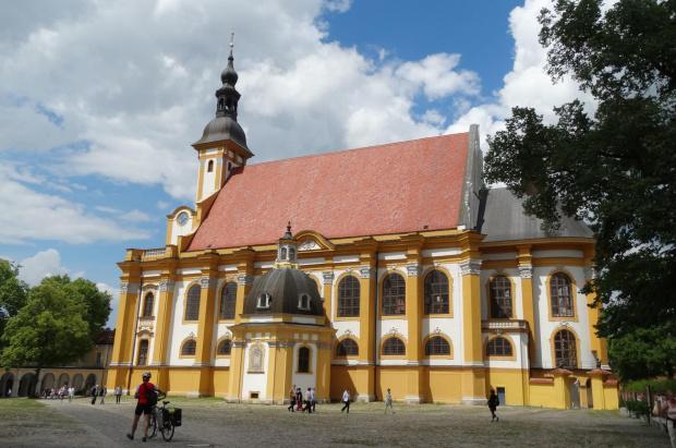 klasztor w pełnej krasie