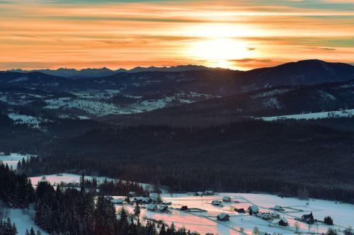 Wschód nad Tatrami-Koniaków